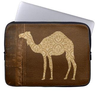Manga del ordenador de la silueta del camello funda portátil