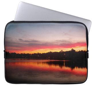 Manga del ordenador portátil de la puesta del sol  fundas ordendadores