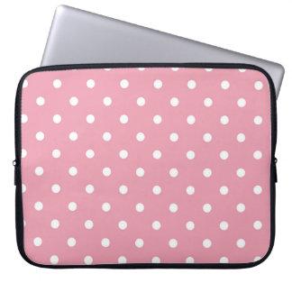 Manga del ordenador portátil del lunar del rosa funda portátil