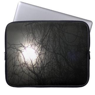 Manga oscura del ordenador portátil de la luna fundas ordendadores