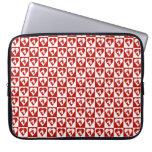 Manga roja del ordenador portátil del corazón del  mangas portátiles