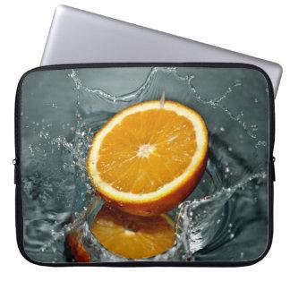 Mangas anaranjadas del ordenador portátil del chap fundas ordendadores