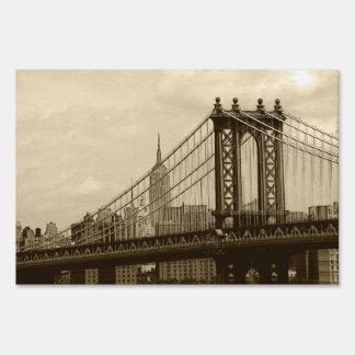 Manhattan Bridge Sign