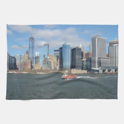 Manhattan en la distancia toalla de mano
