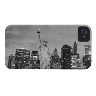 Manhattan Skyline At Night, New York City Case-Mate iPhone 4 Case