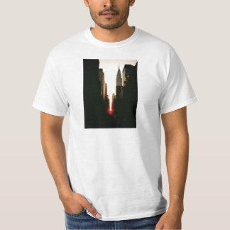 Manhattanhenge Sunset and the Chrysler Building T-Shirt