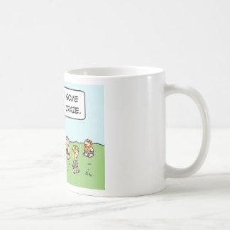 manía de la danza del arrastre erguido del hombre taza de café