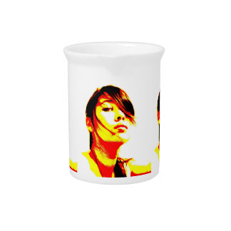 Manic Kin 3 Beverage Pitcher