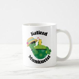 Manicuro jubilado (tortuga) taza clásica