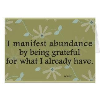Manifiesto abundancia siendo afirmación agradecida tarjeta de felicitación