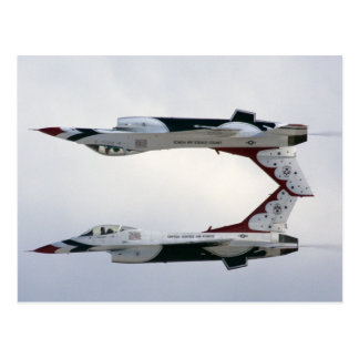 Maniobra de los Thunderbirds F-16 - invertida Tarjeta Postal