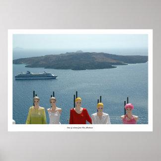 Maniquí, barco de cruceros y volcán posters