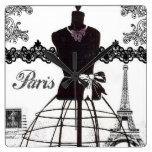 Maniquí blanco negro de la moda de París Reloj