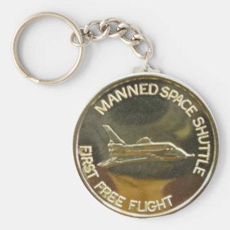 MANNED SPACE SHUTTLE FIRST FREE FLIGHT BASIC ROUND BUTTON KEYCHAIN