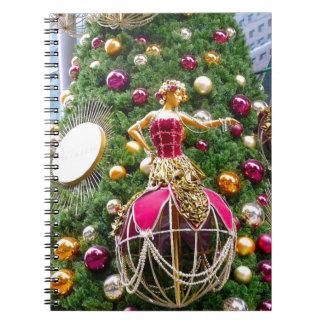 Manniquins del árbol de navidad cuaderno