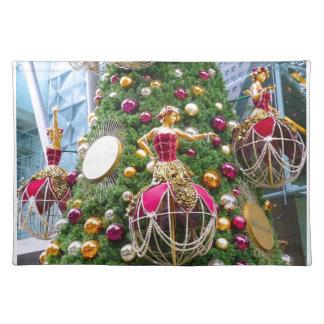 Manniquins del árbol de navidad mantel