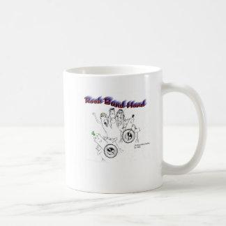 Mano de la banda de rock taza