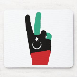 Mano de la victoria de Libia - extremo de Gaddafi Alfombrillas De Ratones
