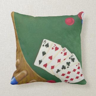 Mano de póker que gana seis a diez almohadas