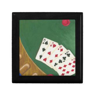 Mano de póker que gana seis a diez joyero cuadrado pequeño