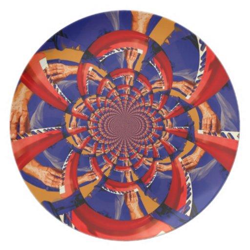 mano del caleidoscopio que juega el azul anaranjad platos para fiestas