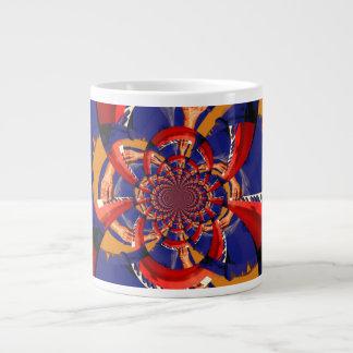 mano del caleidoscopio que juega el azul anaranjad taza grande