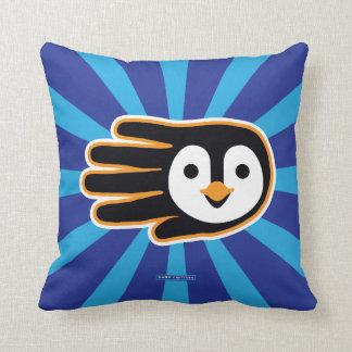 Mano del pingüino del vuelo almohada