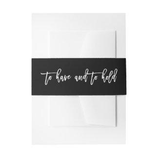 Mano elegante puesta letras para tener y para cintas para invitaciones