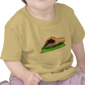 Mano en ratón camisetas