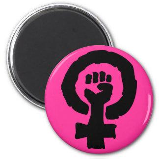 Mano femenina de la solidaridad del símbolo de las iman de frigorífico