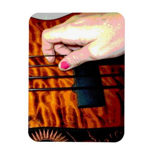 mano femenina que tira de la secuencia baja 1 post iman rectangular