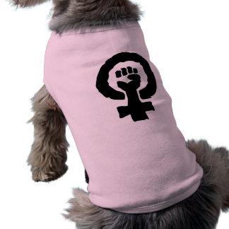 Mano femenina universal de la solidaridad del símb playera sin mangas para perro