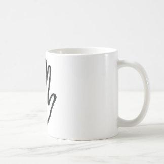 mano humana negra taza de café