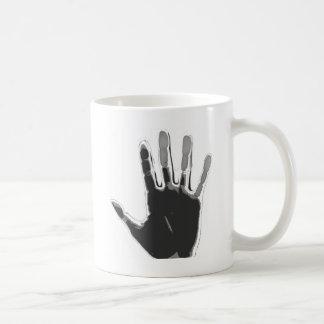 ¡Mano negra y gris impresa! Tazas De Café
