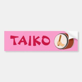 Mano que celebra teclear japonés del tambor de Tai Etiqueta De Parachoque