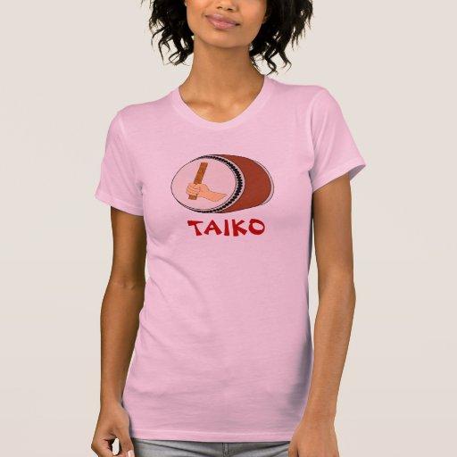 Mano que celebra teclear japonés del tambor de Tai Camisetas