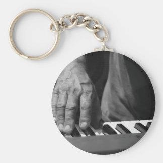 mano que juega música del varón del bw del teclado llaveros personalizados