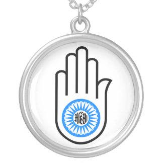 Mano y rueda Ahimsa de lectura del símbolo del jai Joyerías