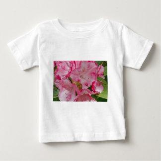 Manojo de flores salvajes rosadas remera