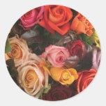Manojo de rosas pegatinas redondas