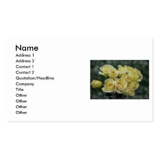 Manojo del rosa amarillo fondo oscuro tarjeta personal