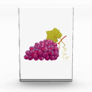 Manojo delicioso de uvas rojas