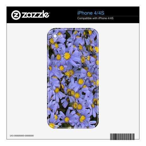 ¡Manojo dispersado de margaritas azules, muy bonit iPhone 4S Skin