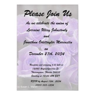 Manojo subió colorized púrpura invitación