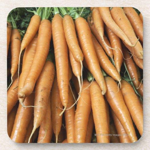 Manojos de zanahorias, marco completo posavasos de bebidas