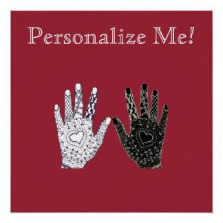 Manos blancos y negros de la amistad perfect poster
