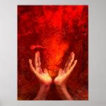 Manos curativas con la energía roja llameante Reik Posters