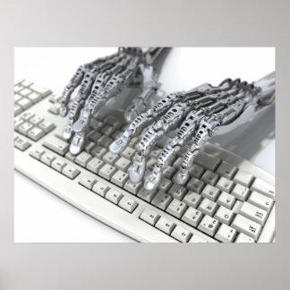 Manos de acero del cyborg póster