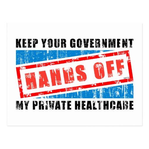 Manos de la atención sanitaria tarjetas postales