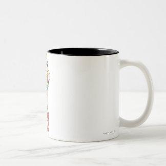 Manos de la Mujer Maravilla en caderas Tazas De Café
